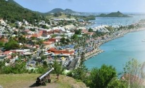 Vue d'une côte de Saint-Martin