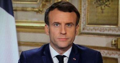 Emmanuel Macron, président de la République française, annonçant des mesures contre le coronavirus.