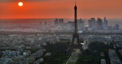 Paris : renforcement des mesures pour faire face à la propagation du virus